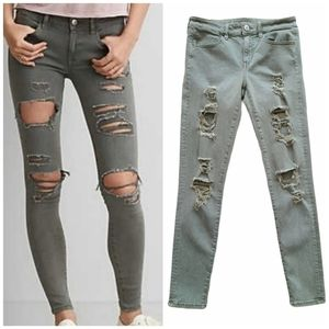 American Eagle Outfitters Green Distressed Super Stretch Jegging Size 6